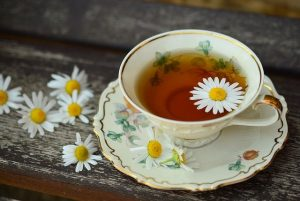 Best Home Remedies to Quit Smoking - chamomile tea