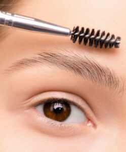How to pluck eyebrows for the first time